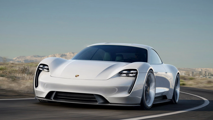 /img/blog/comparison/porsche-taycan-vs-mission-e-concept-comparison-3.png